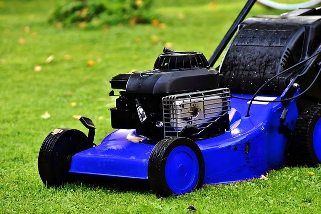 Benzines fűnyíró megbízható motorral